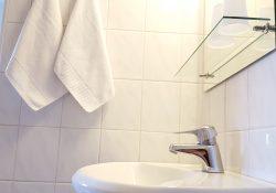 majutus Pärnu hotell Emmi standard tuba WC